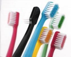 Как часто нужно менять зубную щетку и почему это нужно делать?